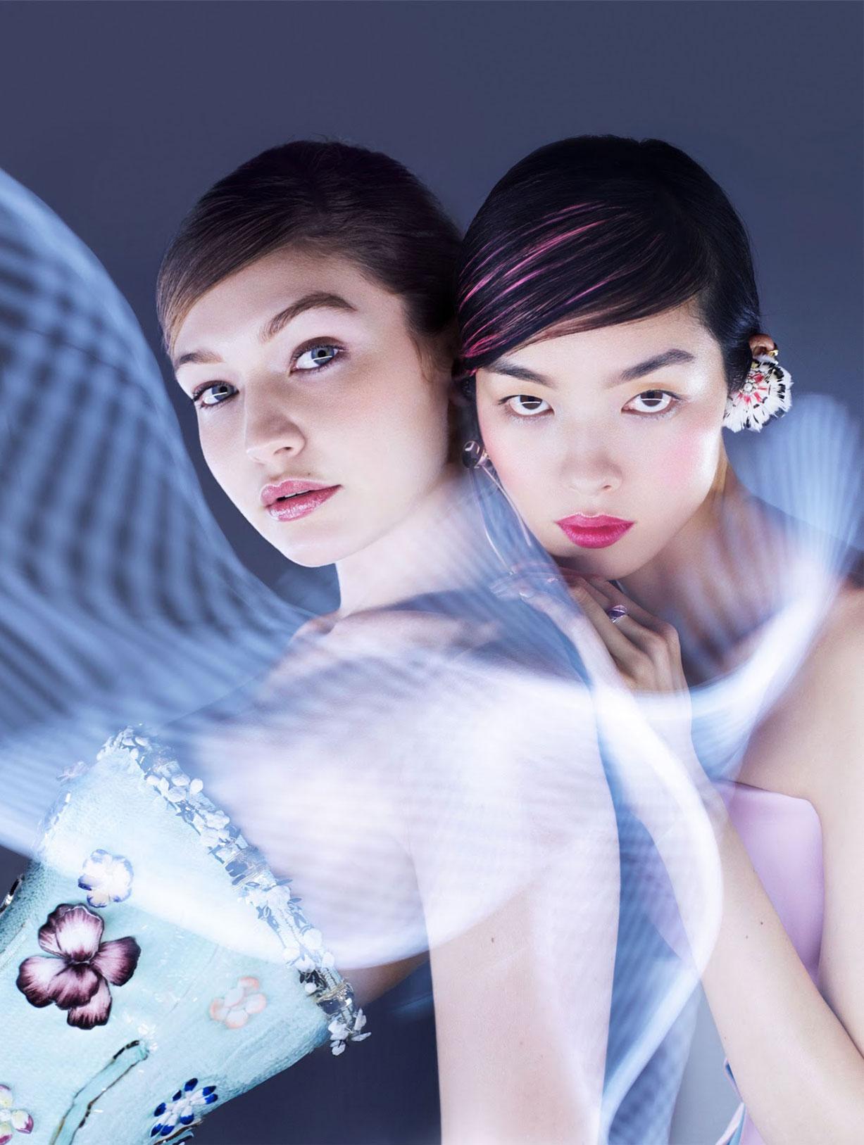 Светящиеся Джиджи Хадид и Фей-Фей Сун в журнале Vogue Гонконг, март 2019 / фото 12