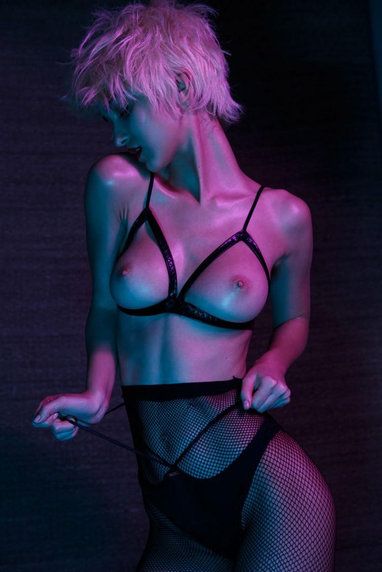 Purple Hot - Paula Bulczynska nude by Remi Kozdra & Kasia Baczulis - Purple