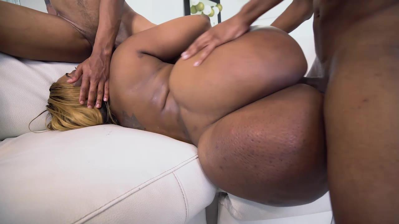 Fuck A Young Babe With A Big Ass