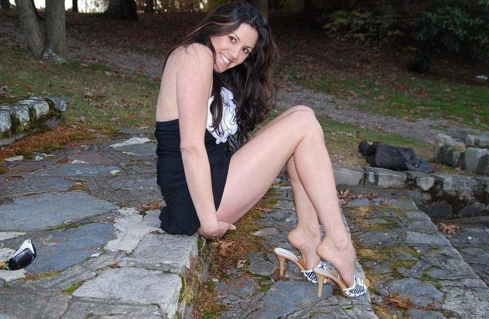 Mature foot fetish pics-8129