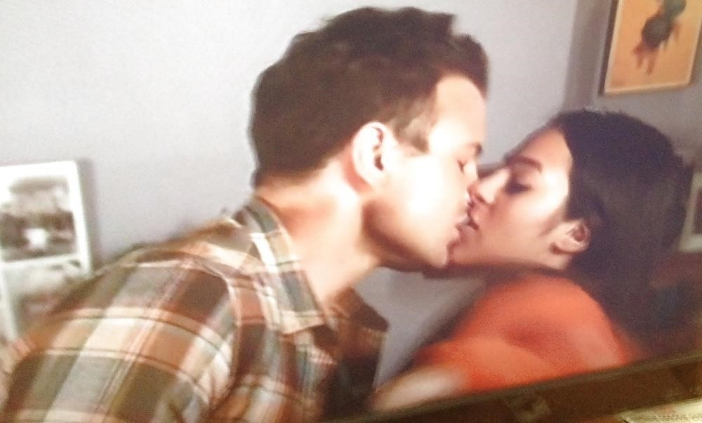Black lesbians kissing pics-3454