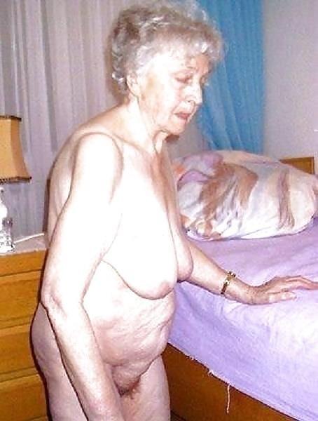 Older women nude beach-7863