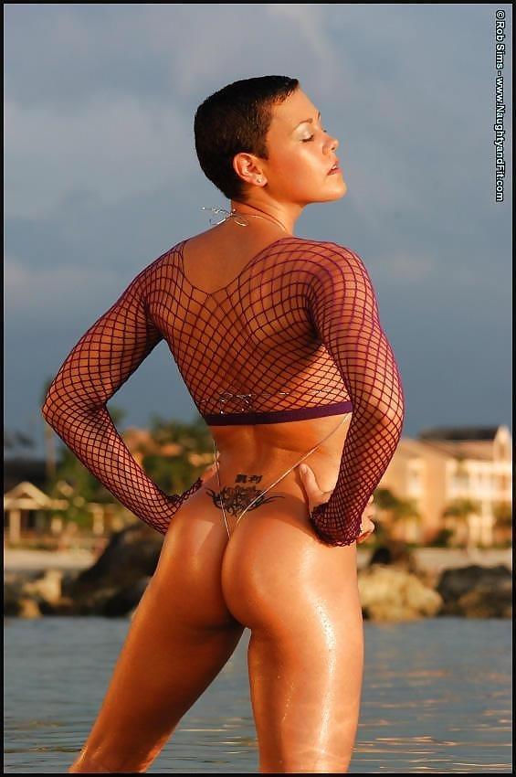 Beautiful fit naked women-7897