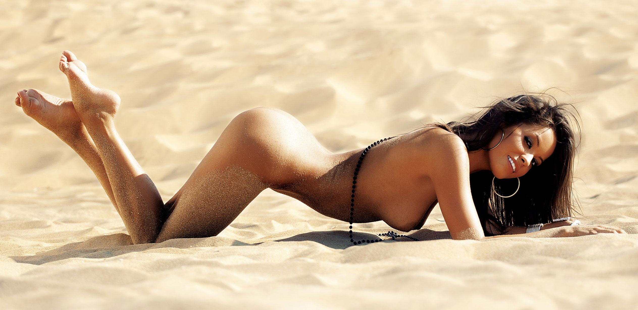 Благовеста Бонбонова - Девушка месяца в Playboy Германия, март 2013 / фото 01