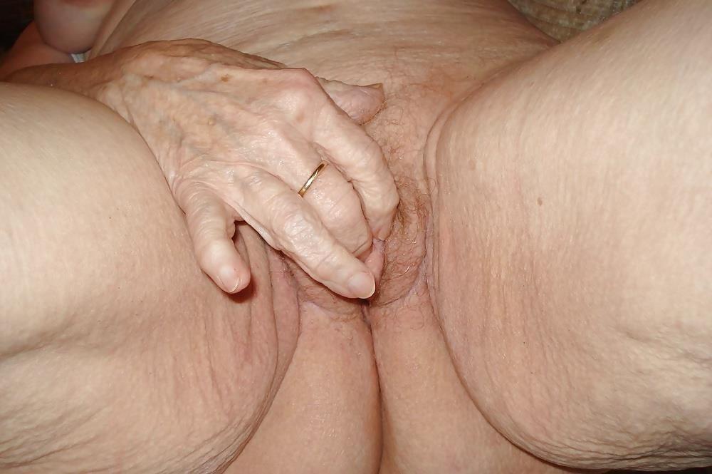 Chubby old granny porn-2366