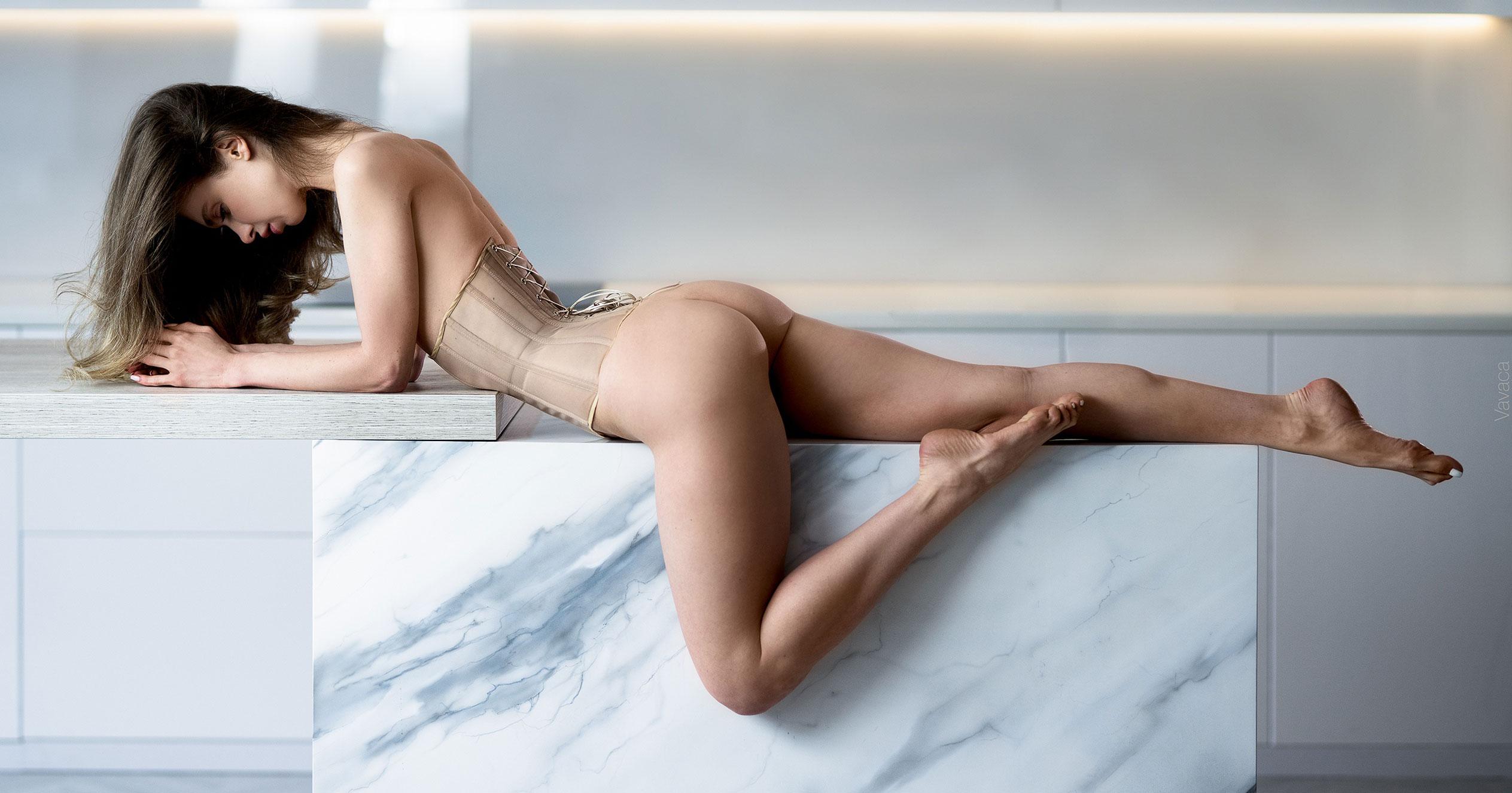 Сексуальная голая Анна Царалунга / фото 20
