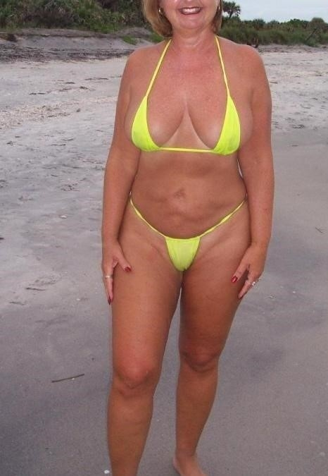 Mature amateur bikini pics-7113