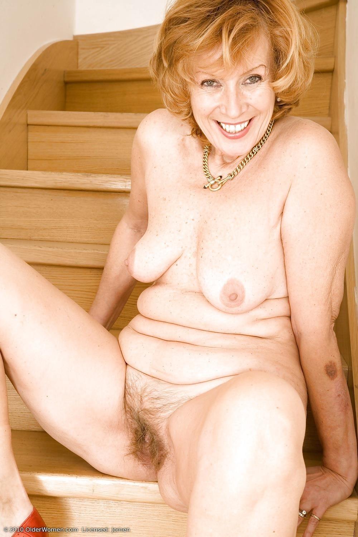Chubby mature granny-9746