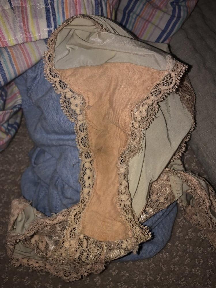 Dirty girls bukkake panty raid 8-4375