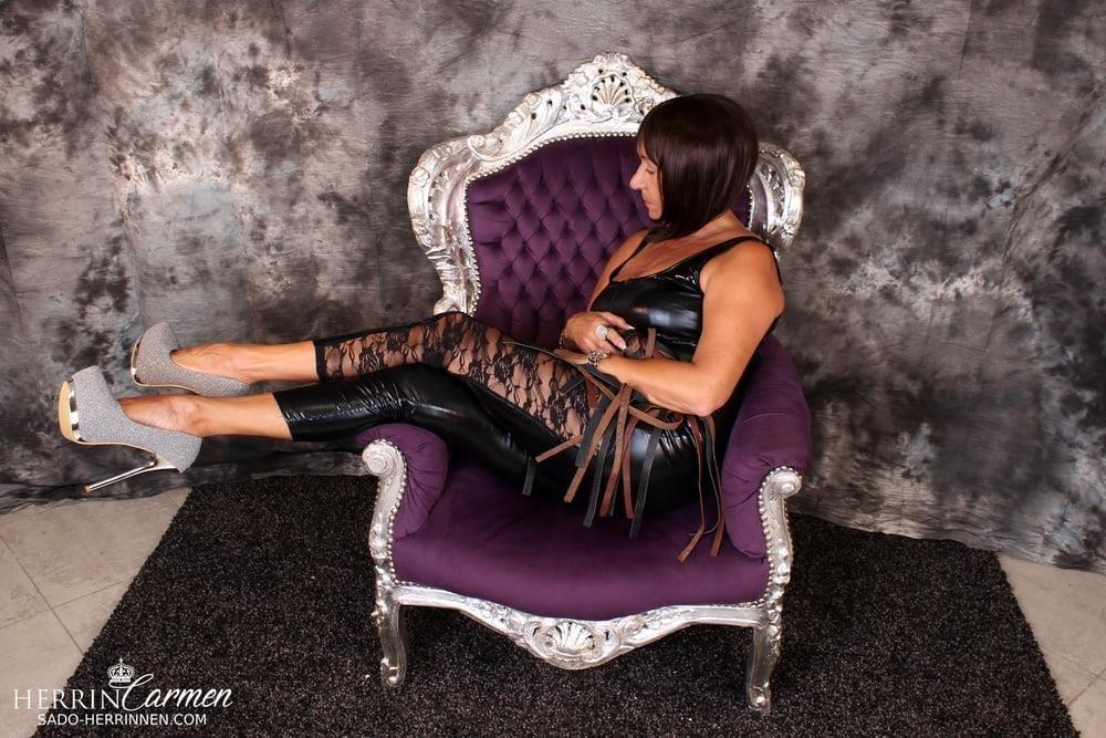 Arab foot mistress-1735