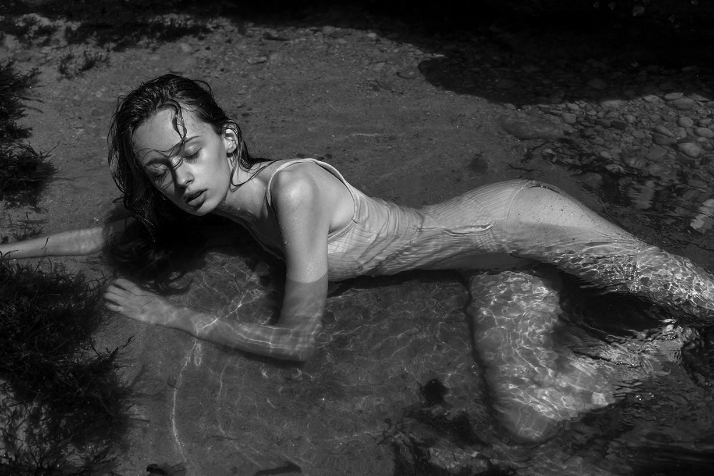 В далеком Бискайском заливе с Матильдой Готье / Mathilde Gautier by Arthur Hubert Legrand - Lions Magazine