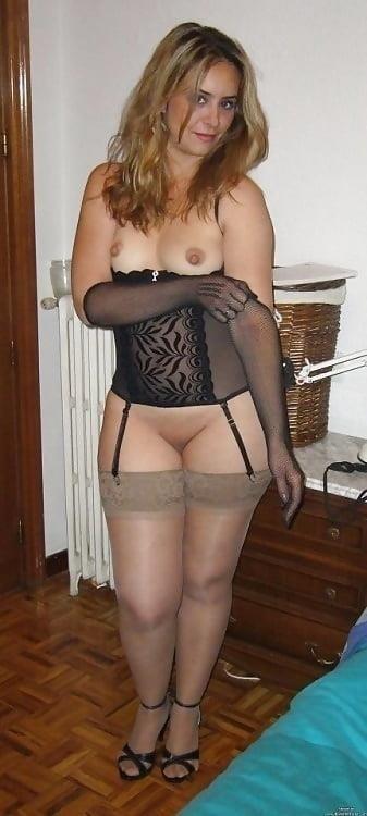 Hot mom in public-9717