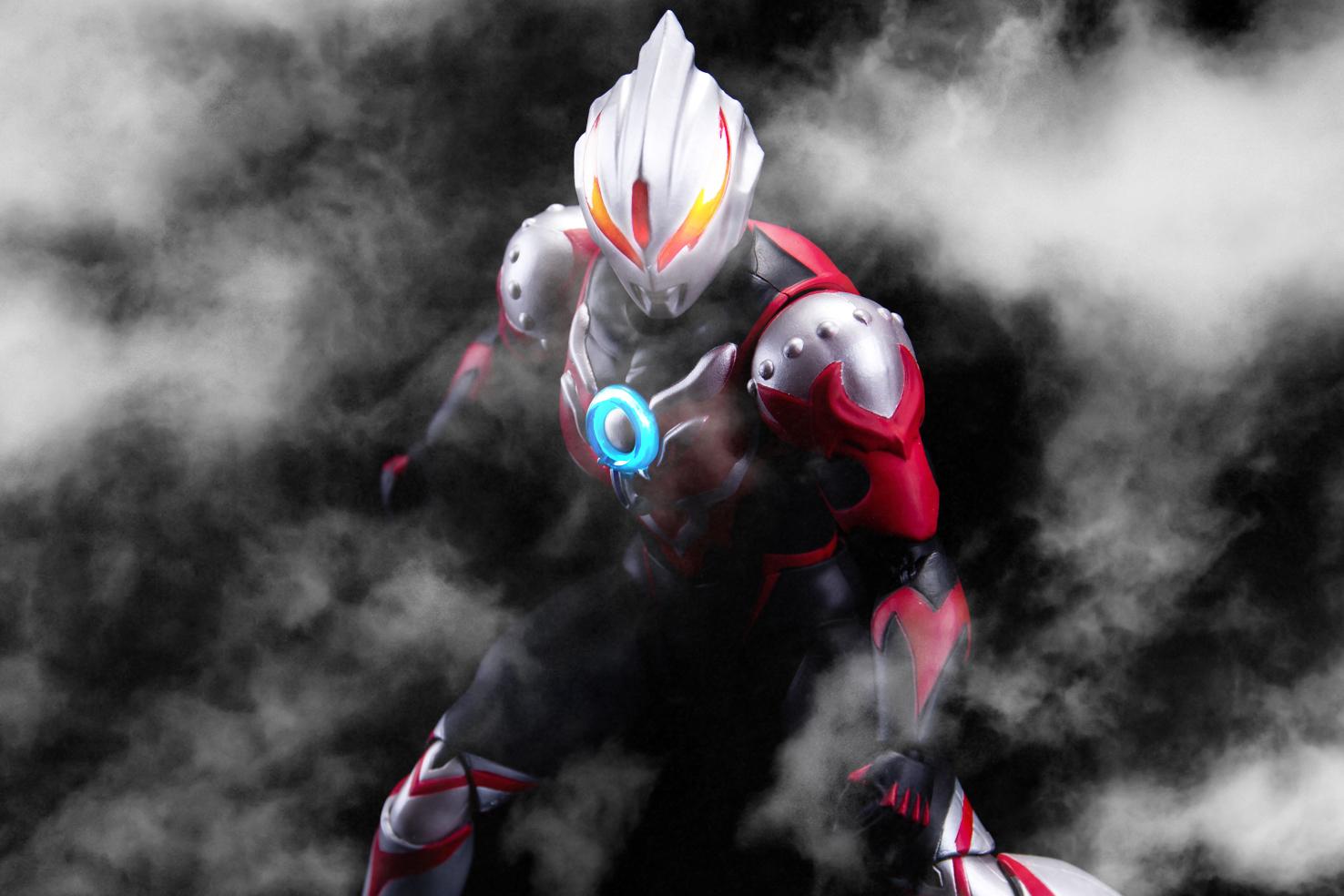 Ultraman (S.H. Figuarts / Bandai) - Page 6 CWASJ1jw_o
