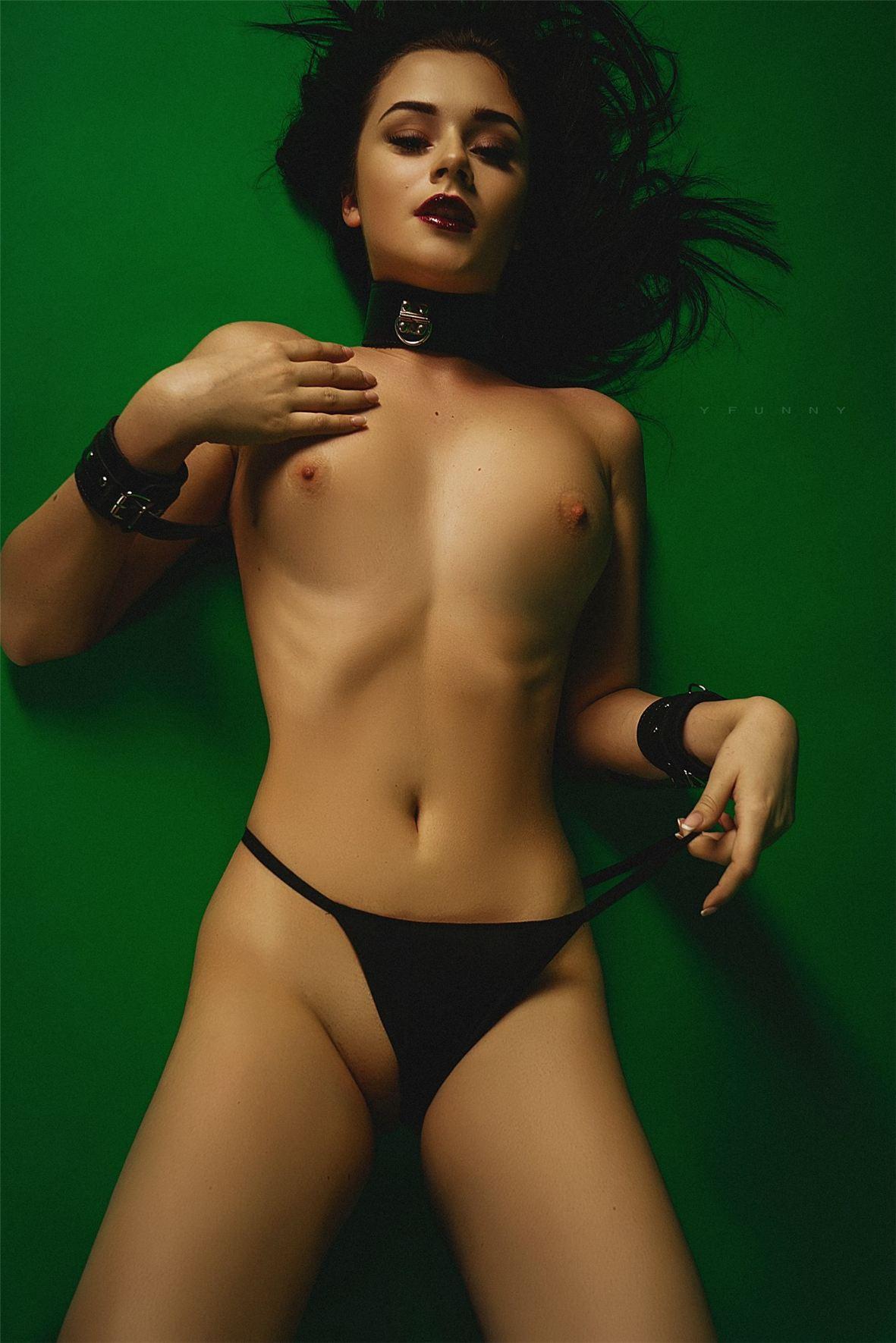 Голая Тоня (18+) sexy nude by Nikolay Khvatov