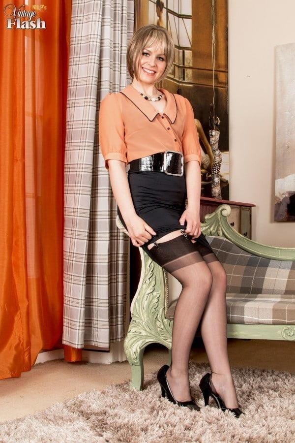 Genuine leather pencil skirt-4052