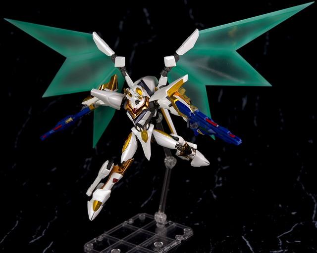 "Gundam : Code Geass - Metal Robot Side KMF ""The Robot Spirits"" (Bandai) - Page 2 B0ogkzAt_o"