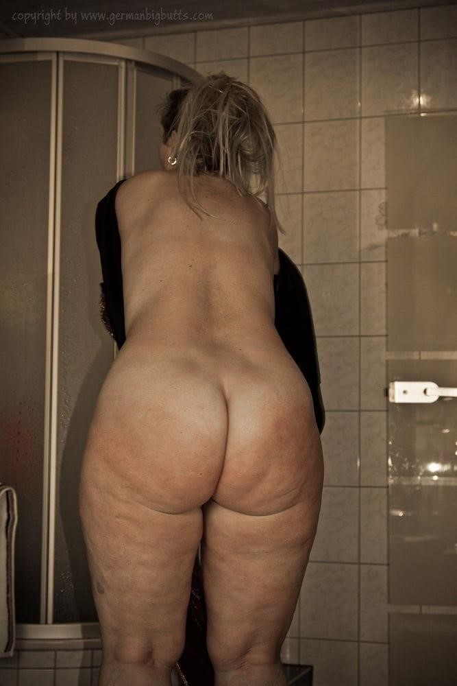 Big booty milf gallery-9868