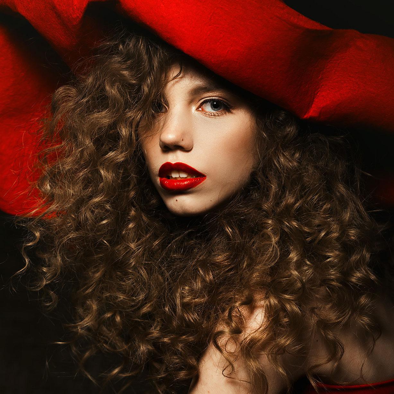 Ее цвет - красный / Alina Istomina by Asya Molochkova