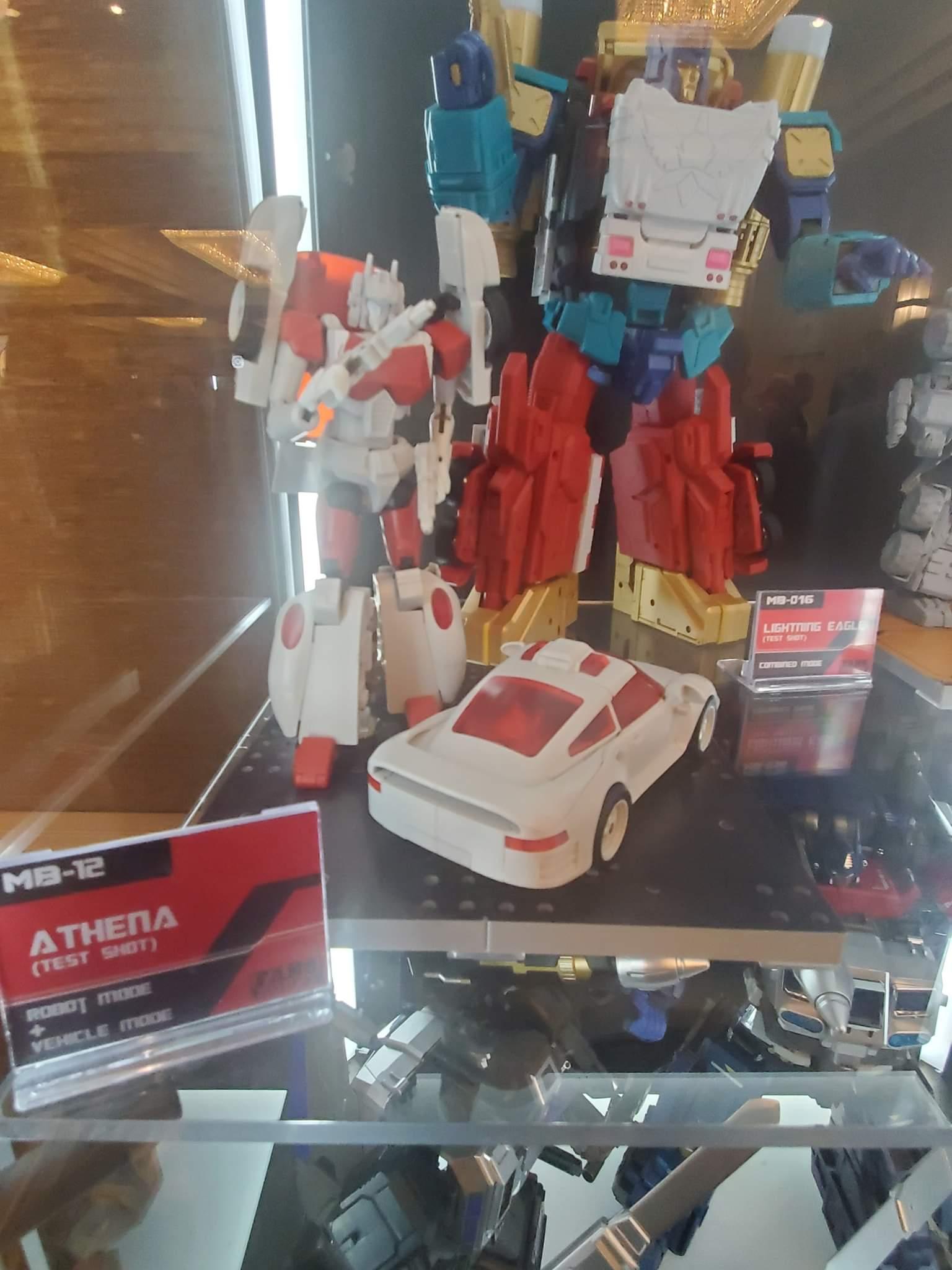 [FansHobby] Produit Tiers - MB-12 Athena (aka Minerva|Nightbeat/Veilleur) et MB-13 Ace Hitter (aka Goshooter|Siren/Sirène) [TF Masterforce] ZJ4ba7CJ_o