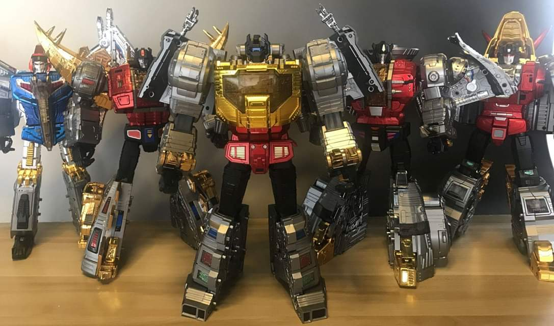 [GigaPower] Produit Tiers - Jouets HQ-01 Superator + HQ-02 Grassor + HQ-03 Guttur + HQ-04 Graviter + HQ-05 Gaudenter - aka Dinobots - Page 7 D5we6VcO_o