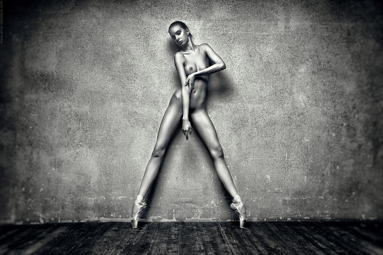 naked sexy balerina by alina lebedeva