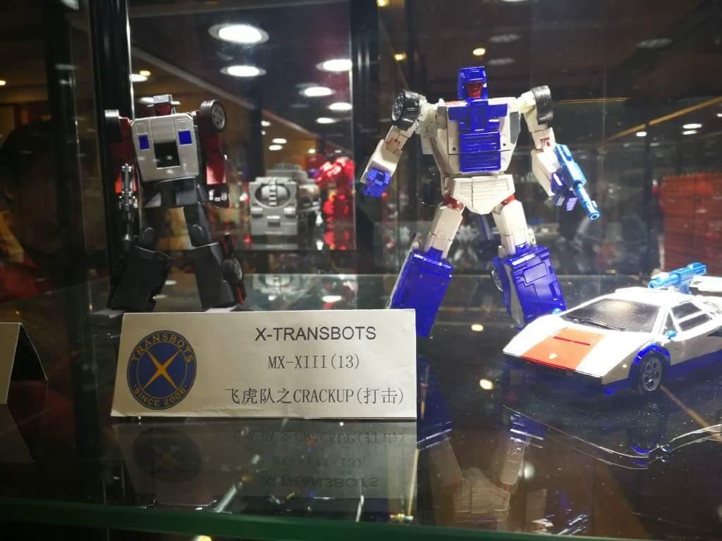 [X-Transbots] Produit Tiers - Jouets Berserkars forme Monolith (MX-XIII à MX-VII) - aka Stunticons forme Menasor/Menaseur O0dlhxFW_o