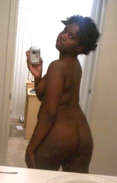 Naked black girl selfie-7665