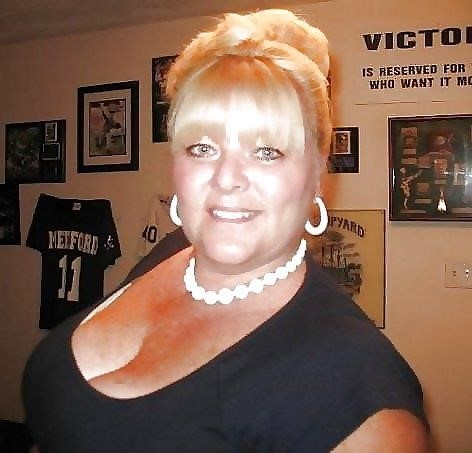 Nude granny big boobs-9366