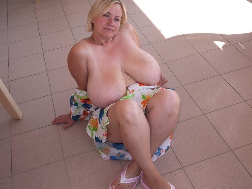 Free big tit mature pics-2475