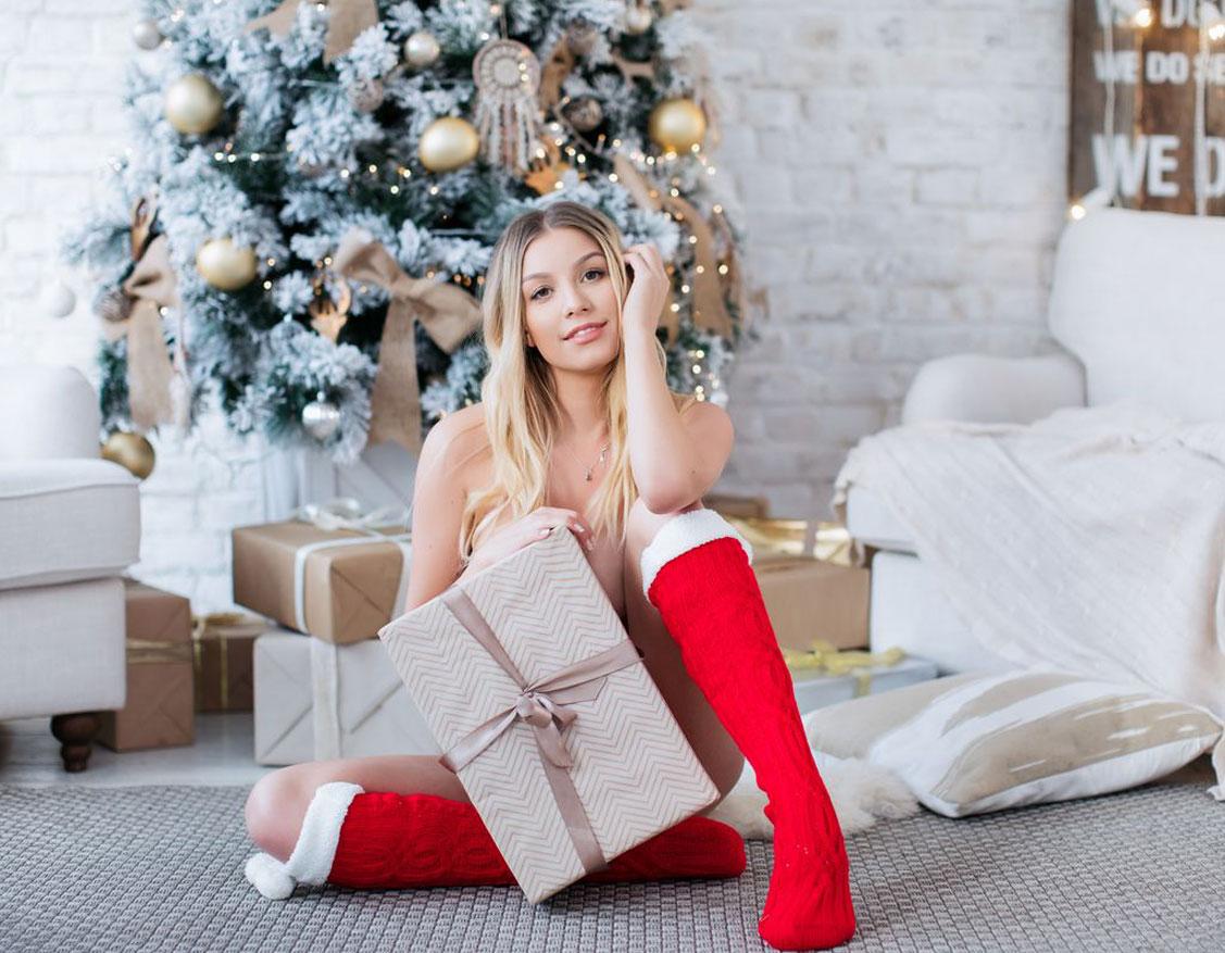 Распаковываем новогодние подарки с Катрин Новиковой / фото 01