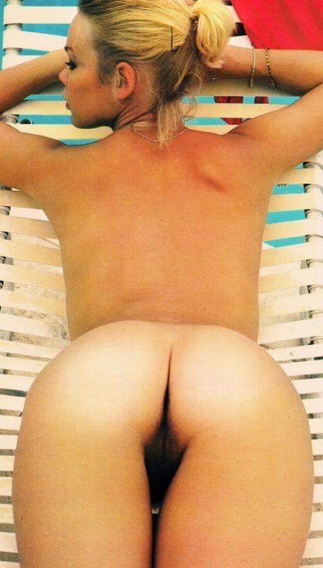 Public lesbian nude-9493