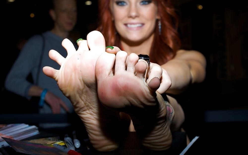 Dani jensen lesbian feet-1073