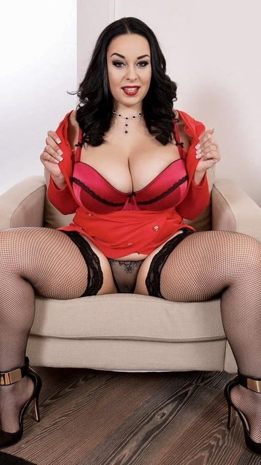 Sucking big sexy boobs-2805