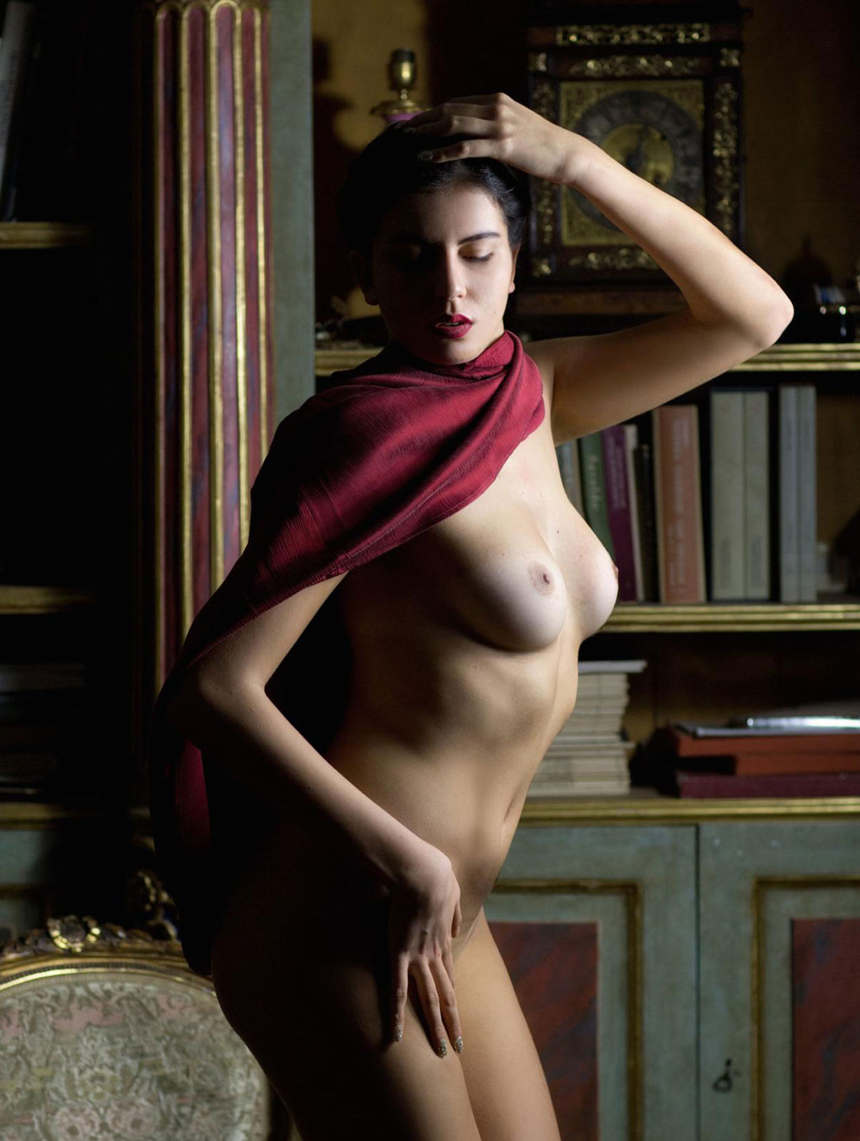 The Muse / Lavinia nude by Roberto Manetta - Volo Magazine february 2018
