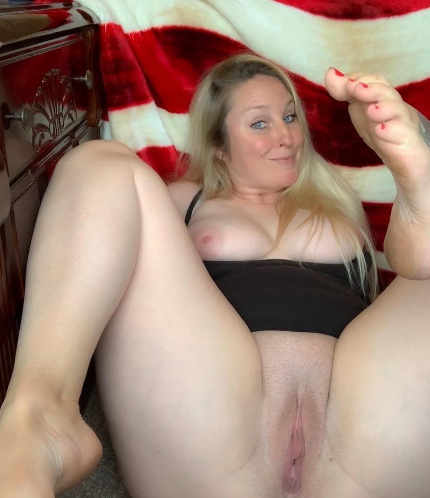 Curvy blonde milf pics-4125
