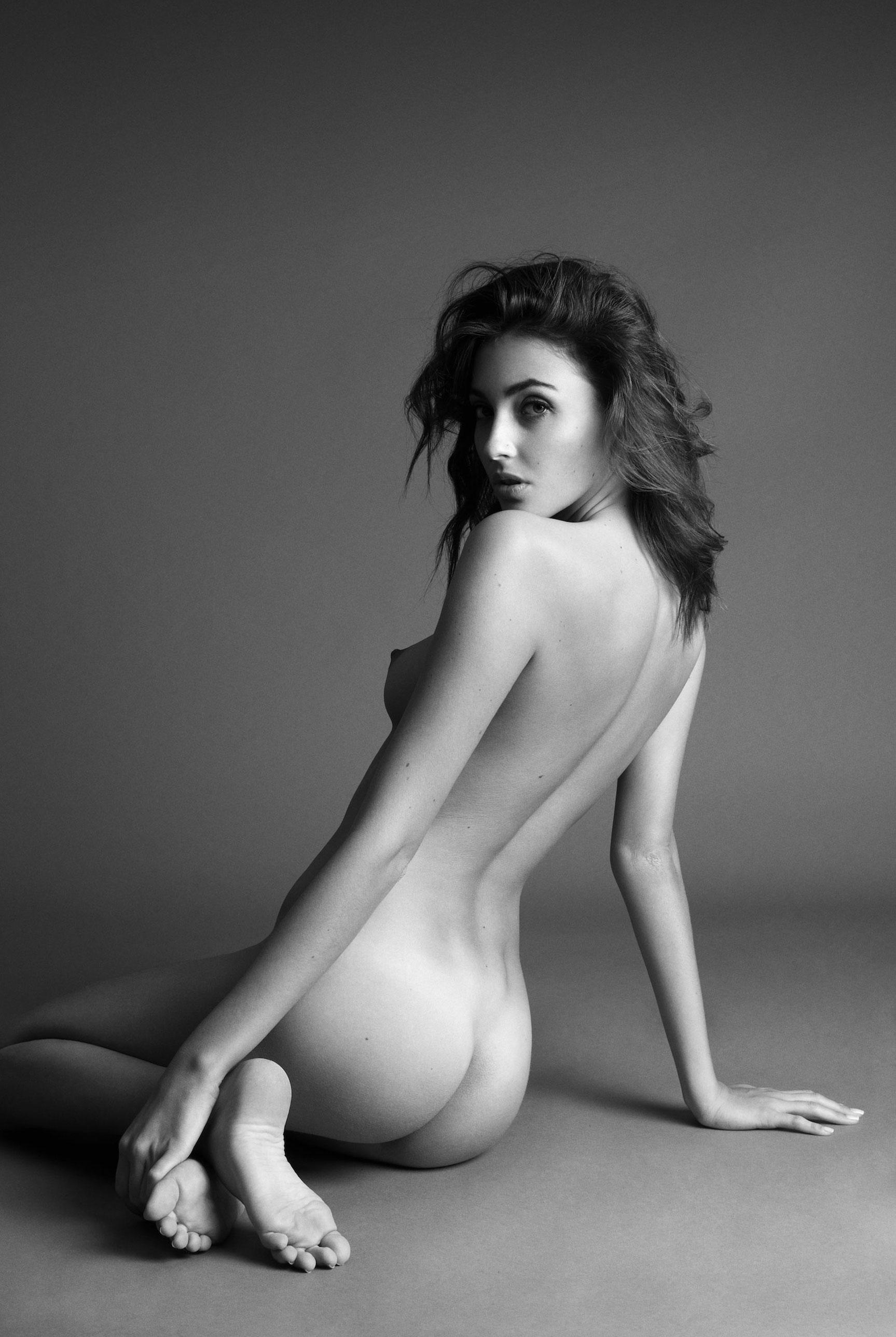 подборка фотографий сексуальных голых девушек - Erika Albonetti