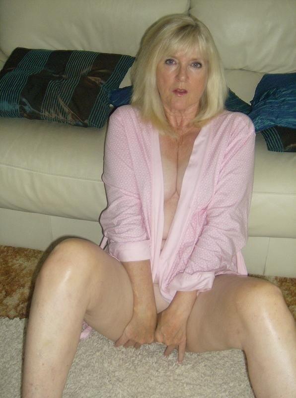 Amatuer mature nude-6417