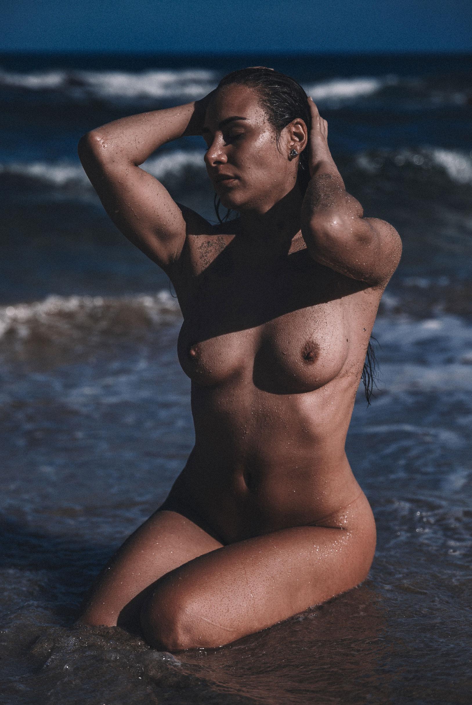 Lola Mdle nude by Thomas Agatz