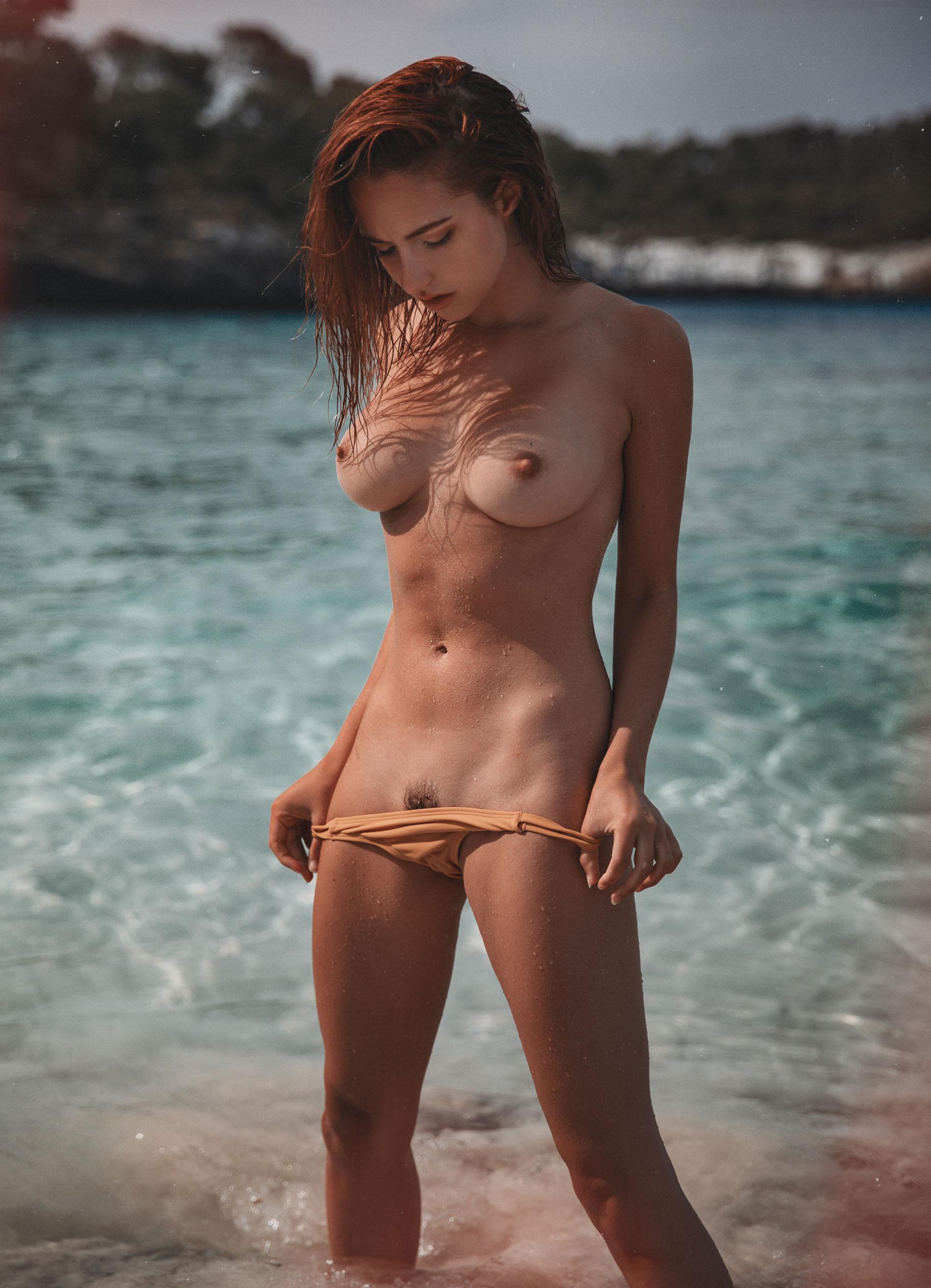голая София на пляже / фото 10