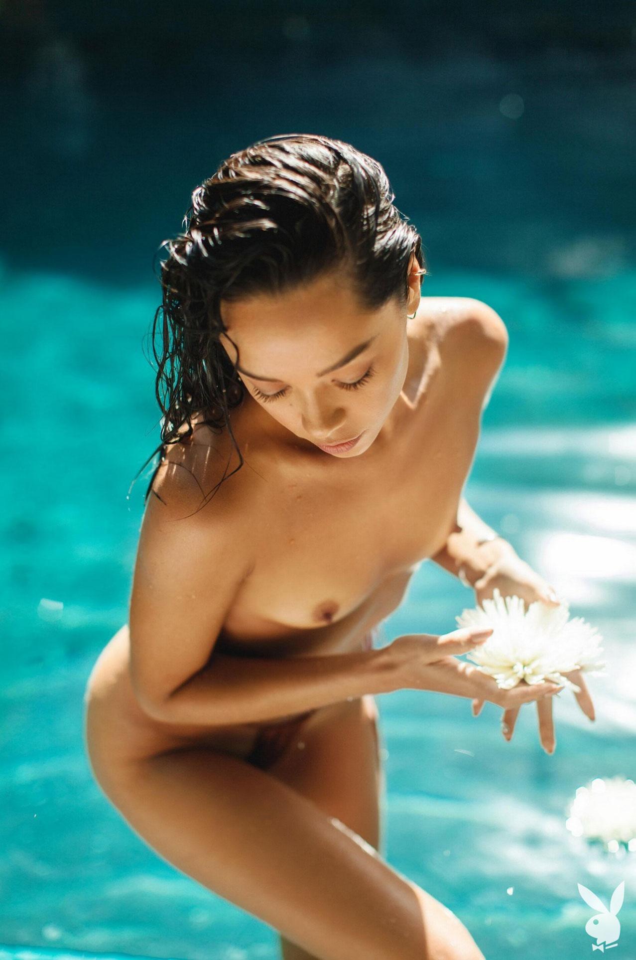 Девушка месяца Даниэлла Алькараз, Playboy США сентябрь 2020 / фото 17