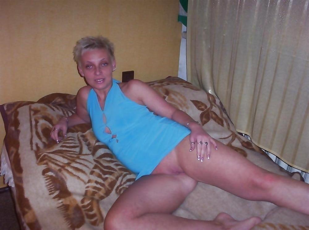 Blonde short hair milf-7860
