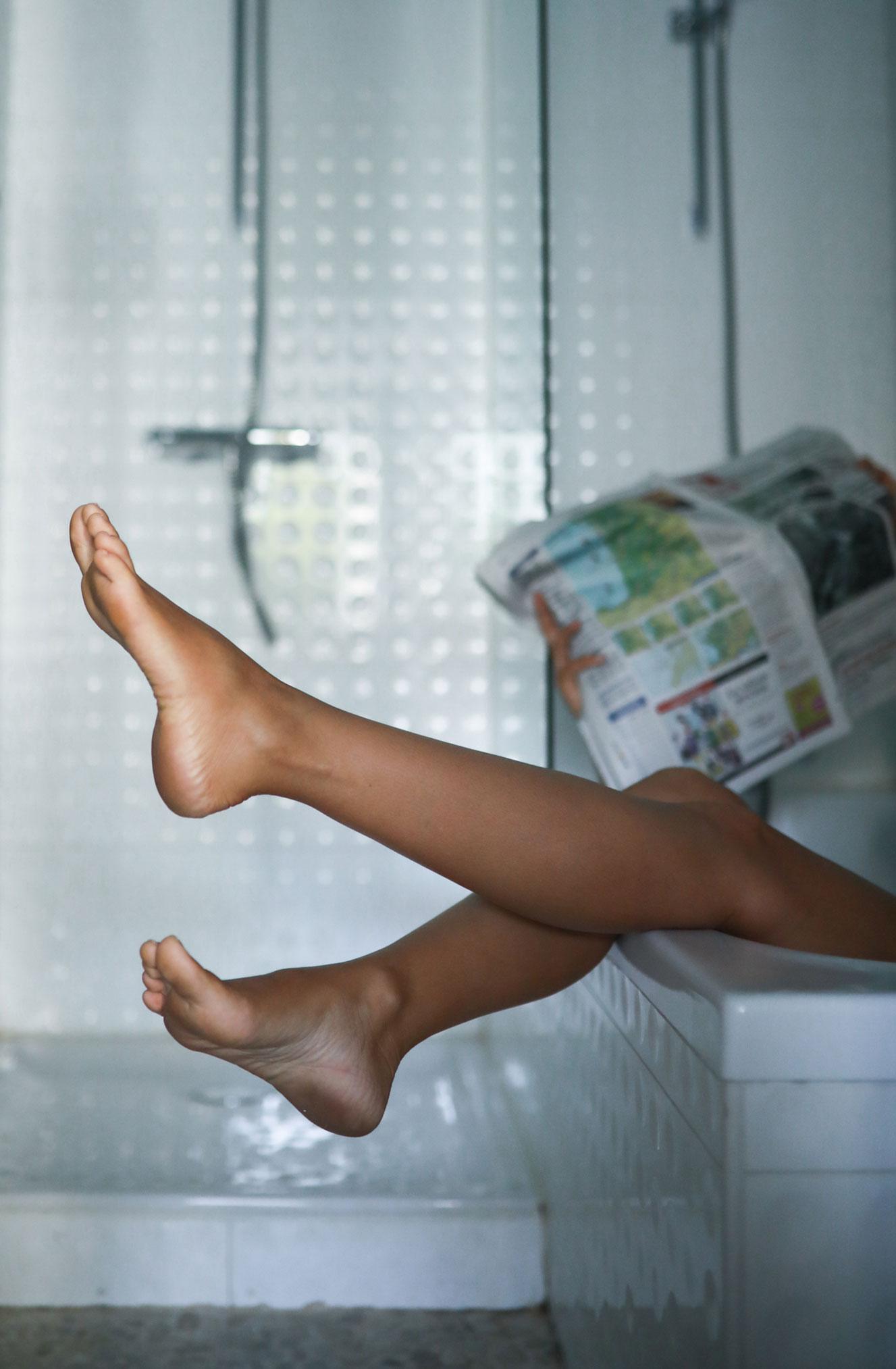 Ева Грейв в отеле Cosmopolitain в Биаррице / фото 07