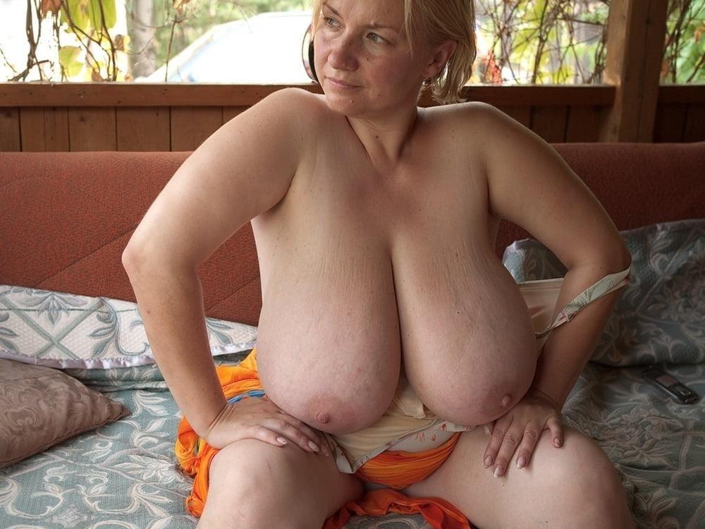Free big tit mature pics-8349