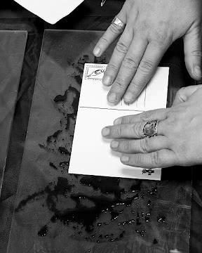 Делаем открытки для заключённых
