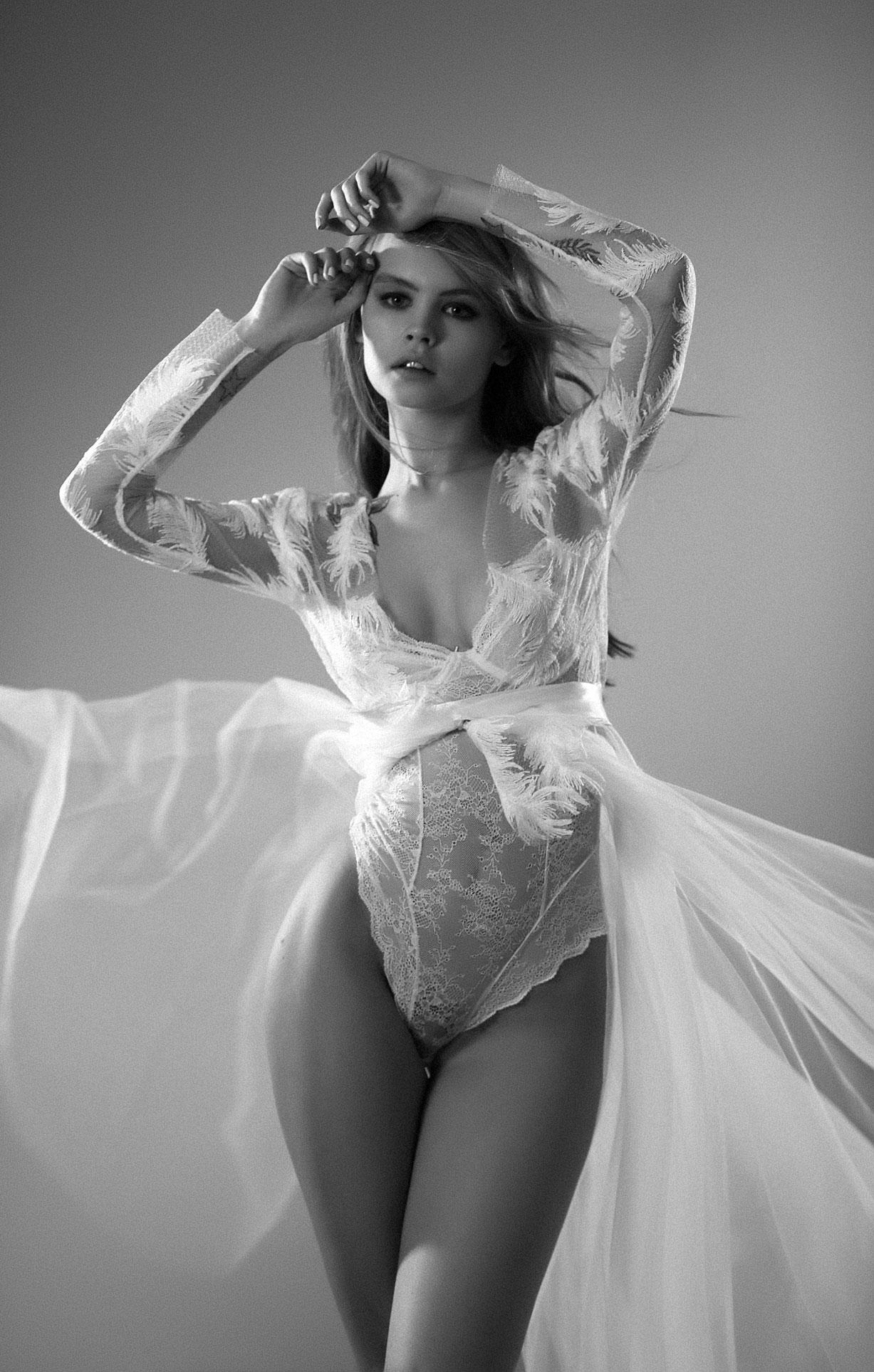 Анастасия Щеглова в нижнем белье для невесты / фото 06