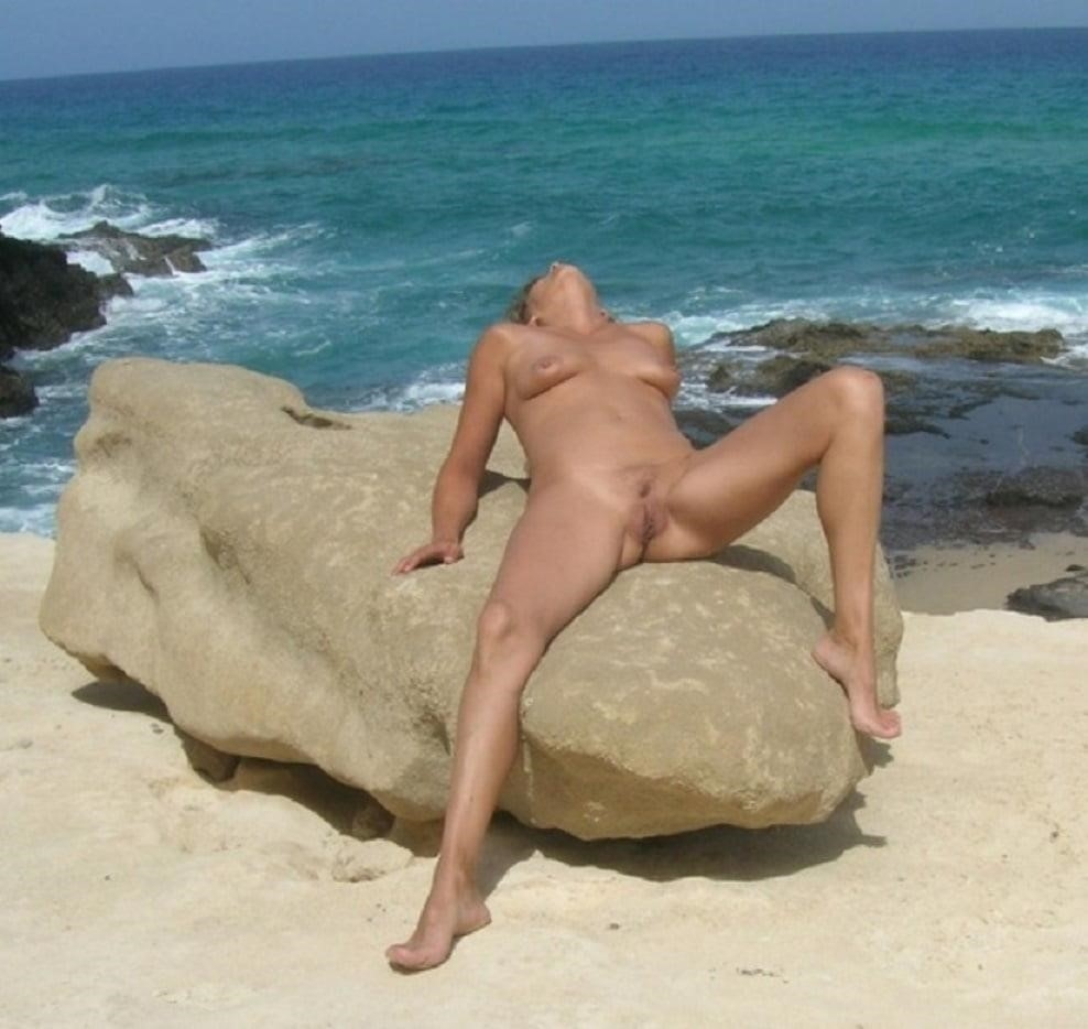 Naked mature tgp-6480