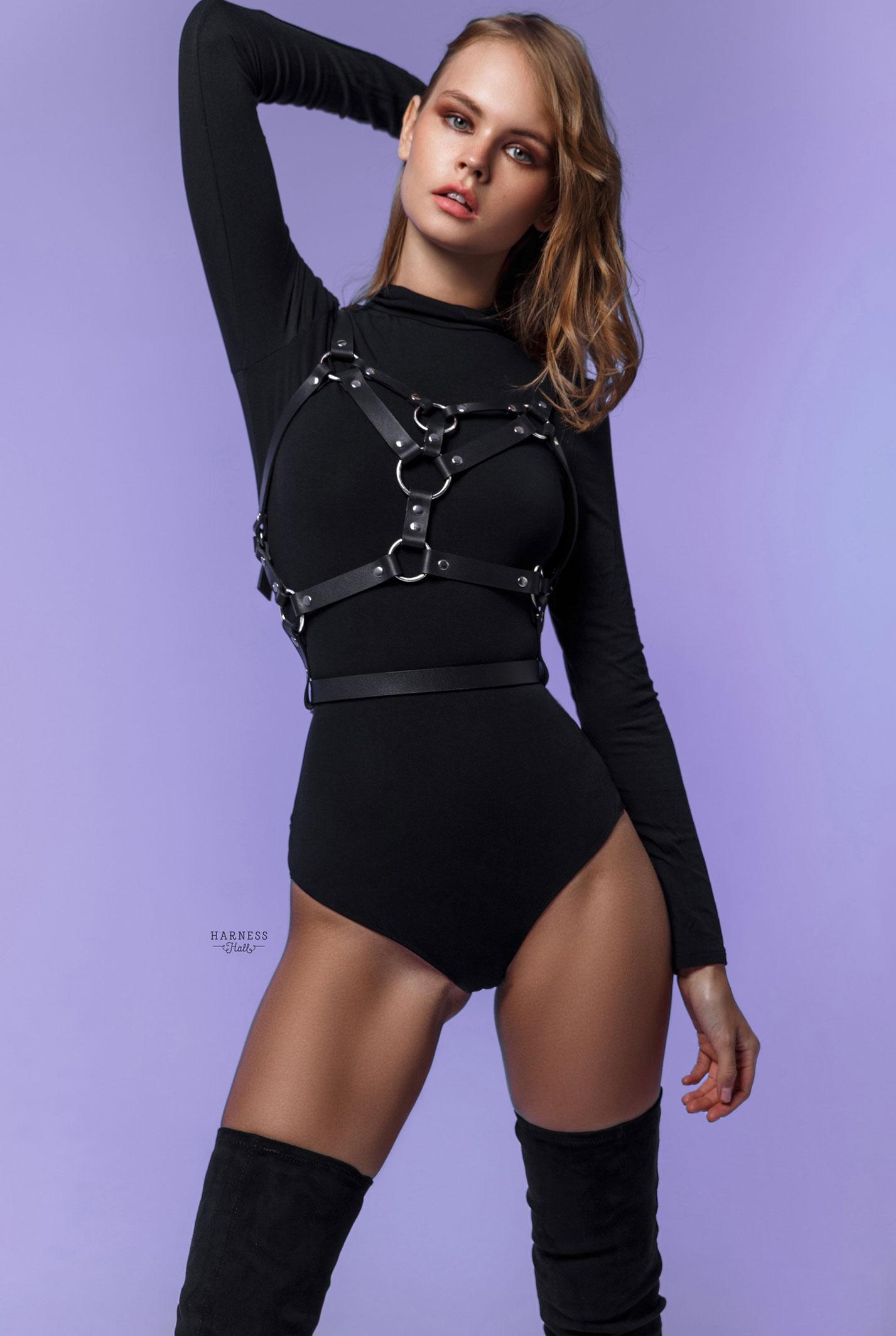 Анастасия Щеглова в нижнем белье Harness Hall, 2018 год / фото 12