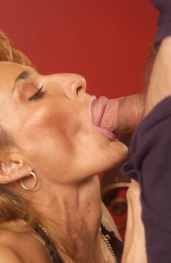 Naked milf blow job-6773