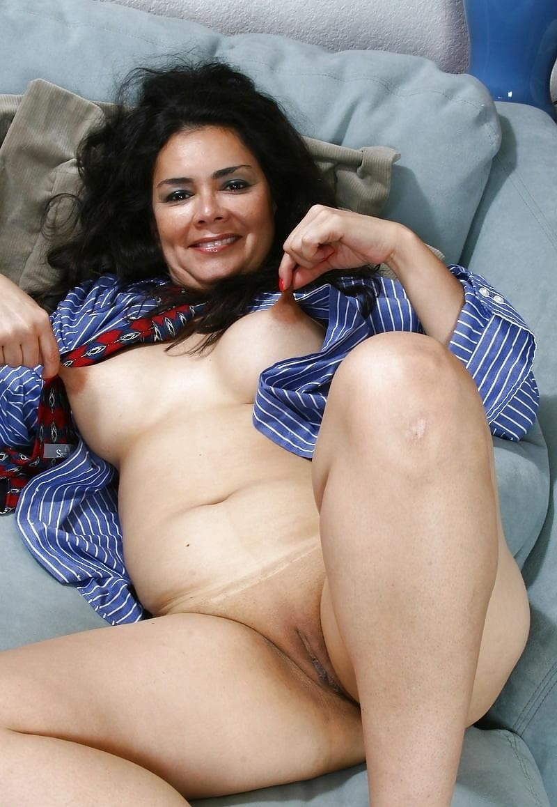 Latina milf nude-4396