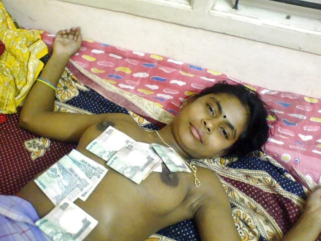Tamil aunty boobs pic-2723